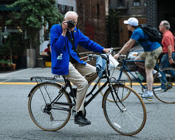 Icon Photographer Bill Cunningham Dies at 87