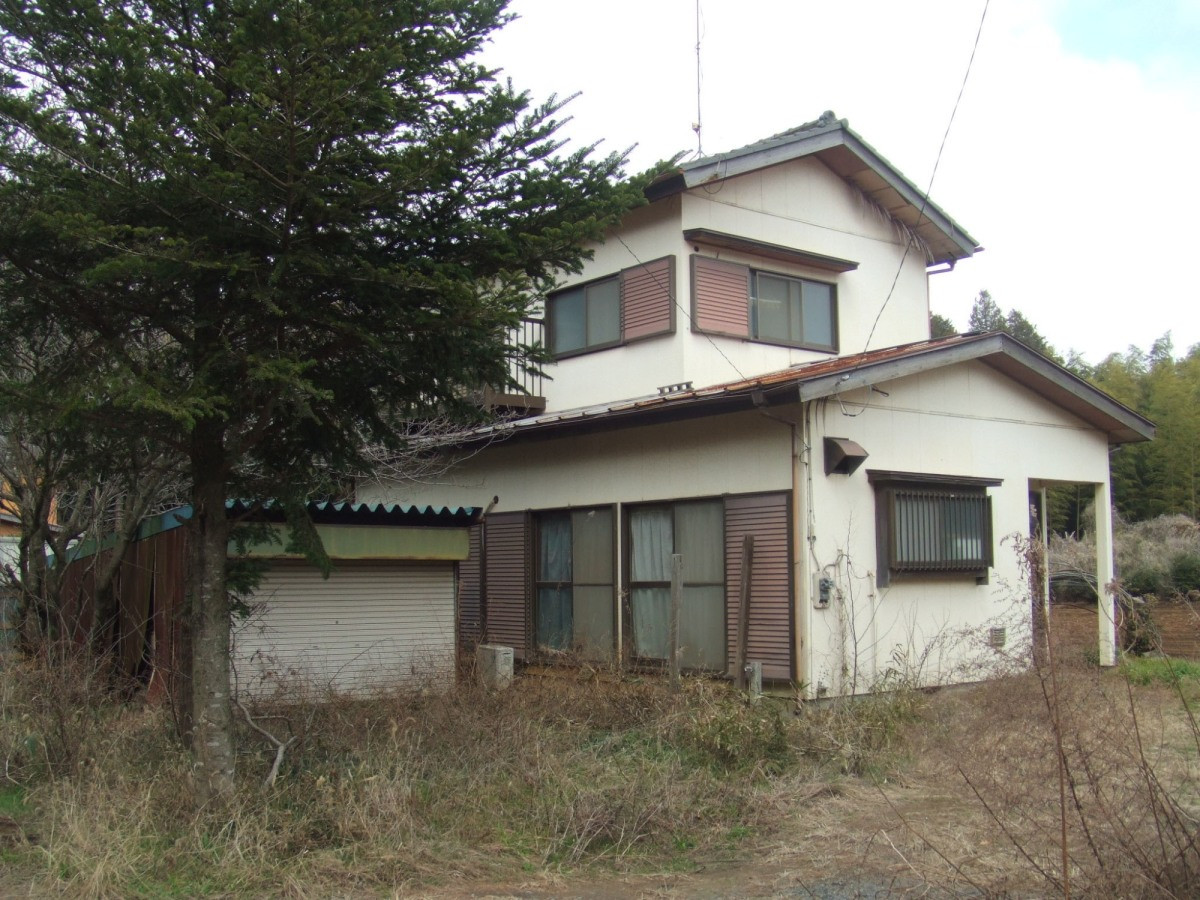 The house that the dealer abandoned local records office for Japan homes for sale